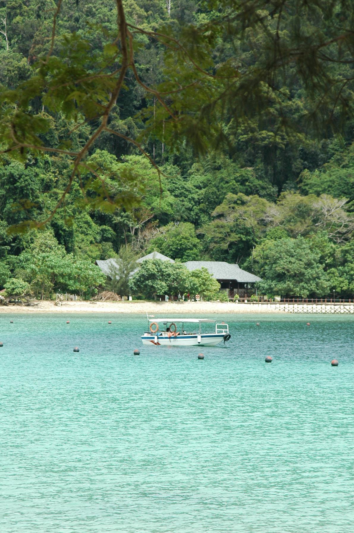 马来西亚的岛屿多不胜数,每座岛屿都宛如人间仙境一般令人倾心不已